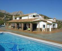 Casa Bernabé  casa rural en Riogordo (Málaga)