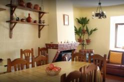 Casa Rural Los Laureles: Holiday Cottage English Ávila