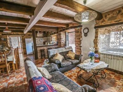 Holiday Cottage Casa Rural Jumaca Santiago Millas Leon Clubrural