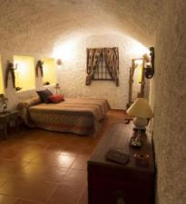 Cuevas de 2 a 10 Plazas. 25€ Persona/Noche