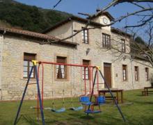 Apartamentos La Escuela casa rural en Peñamellera Baja (Asturias)