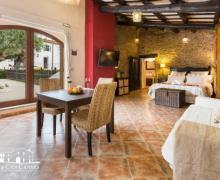 Masia Can Canyes casa rural en Sant Llorenç D´ Hortons (Barcelona)