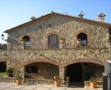 Cal Bisbe casa rural en Capmany (Girona)