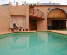 Can Centena casa rural en Vilamacolum (Girona)