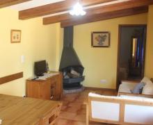 Les Cabanes De L'oliva I casa rural en Montagut I Oix (Girona)