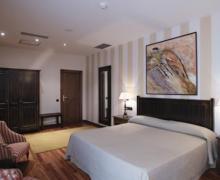 Hotel La Casa del Cofrade casa rural en Albelda De Iregua (La Rioja)