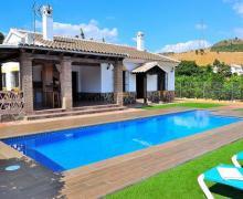 Pepe  y Mari casa rural en Alora (Málaga)