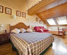 Hotel Ekai  casa rural en Ecay (Navarra)