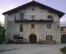 Juansinena  casa rural en Juslapeña (Navarra)