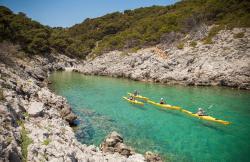 Kayaking Costa Brava en Age (Girona)