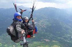 Escuela de Parapente Pirineos en Castejon De Sos (Huesca)