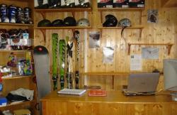 Escuela Granadina de Esqui en Pinos Genil (Granada)