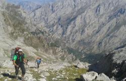 TocandoCumbre Guías de Montaña en Gijon (Asturias)