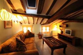 La Aldea Encantada casa rural en Revilla Del Campo (Burgos)