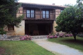 Apartamentos Padruno casa rural en Oreña (Cantabria)