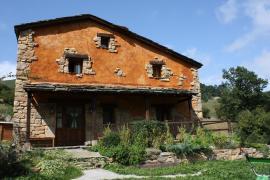 Granja Escuela Albergue Alto Miera casa rural en San Roque De Riomiera (Cantabria)