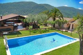 El Solei casa rural en Porqueres (Girona)