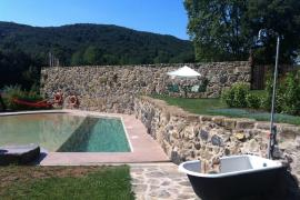 Mas Can Batlle casa rural en Santa Pau (Girona)