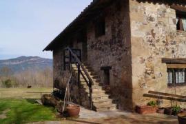 Mas Pujolàs casa rural en Santa Pau (Girona)
