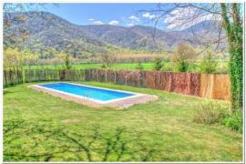 Casa rural con magnífica piscina - semana entera de julio