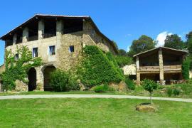 Vallmajor casa rural en Montagut I Oix (Girona)
