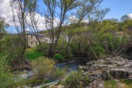 El Secreto del Bosque y La Fábrica de la Luz casa rural en La Omañuela (León)