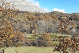 ¡Caserón aislado en plena montaña leonesa!