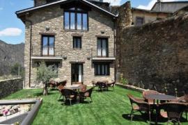 La Comella casa rural en Tirvia (Lleida)
