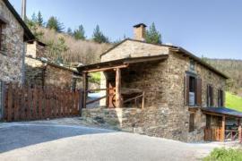 Apartamentos A Casa Nova casa rural en A Pontenova (Lugo)