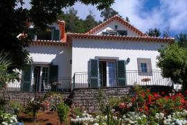 Refúgio das Camélias casa rural en Santana (Madeira)