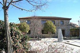 Apartamentos Rurales La Corredera casa rural en Cenicientos (Madrid)