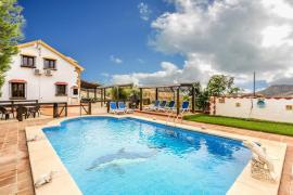 Loma el Letrao casa rural en Almogia (Málaga)