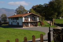 Casa Karakotxeko Borda I y II casa rural en Azpilcueta (Navarra)