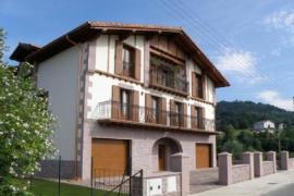 Landazelaia casa rural en Gartzain (Navarra)