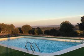 Alquiler completo 8 habitaciones con piscina