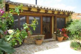 La antigua Botiga casa rural en La Iglesuela Del Cid (Teruel)