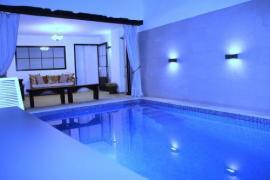 Ven a disfrutar de esta gran casa con piscina