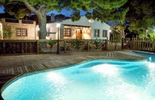 10 casas rurales con piscina nocturna perfectas para verano