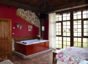Suite con jacuzzi en la habitacion