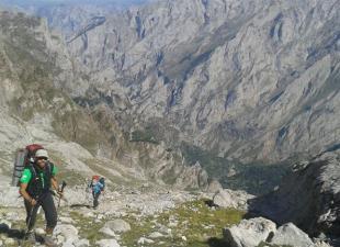 TocandoCumbre Guías de Montaña