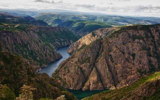 El paisaje excepcional de los Cañones del Sil en Ribeira Sacra