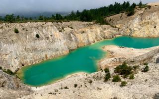 Monte Neme, el lago de Galicia que triunfa en Instagram donde está prohibido bañarse