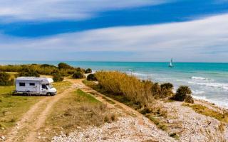 5 pueblos con encanto para descubrir España en caravana, autocaravana o camper