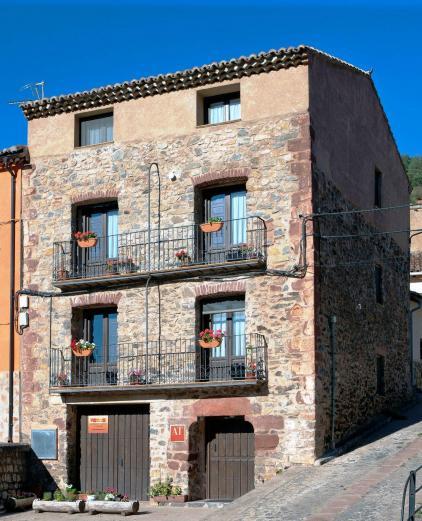 Apto turisticos rurales las c rcavas apartamentos tur sticos en noguera de albarrac n teruel - Casa rural gea de albarracin ...