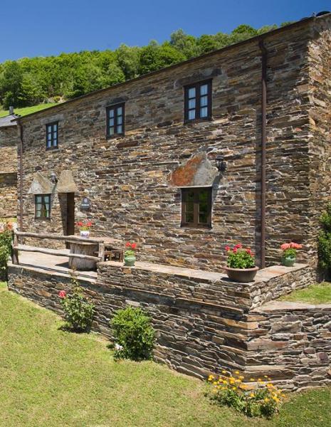 Nucleo turismo rural casa riveras casa rural en santa eulalia de oscos asturias clubrural - Casa rural asturias mascotas ...