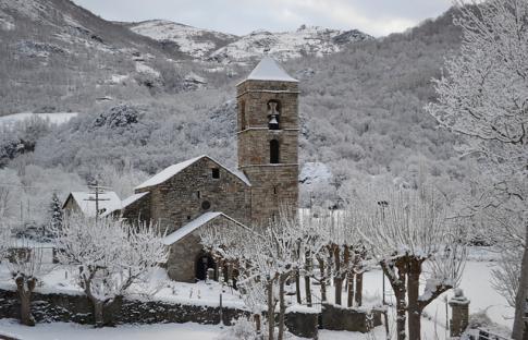 Pueblos de foto en la nieve
