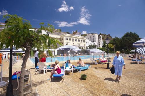 Ba os de fitero hotel en fitero navarra clubrural for Hoteles en navarra con piscina