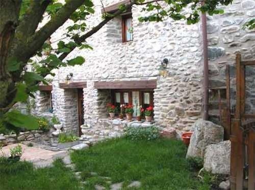 Casa rio zambullon casa rural en zaldierna la rioja clubrural - Casa rural ezcaray ...