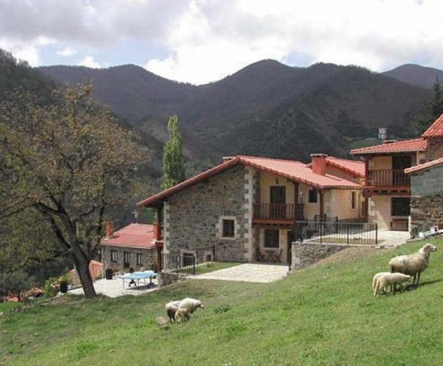 Aldea de dosamantes apartamentos tur sticos en pesaguero cantabria clubrural - Apartamentos turisticos cantabria ...