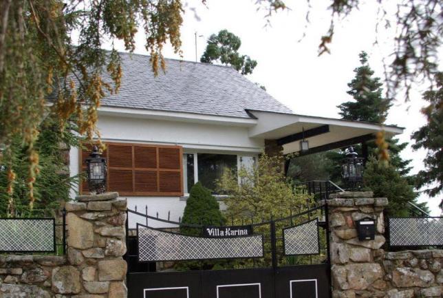 Sierra madrid jardín chimenea barbacoa 14p